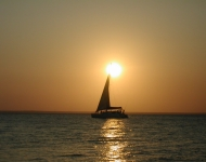 Take in a gorgeous sunset in Tofo Bay Mozambique on your honeymoon with Kaya
